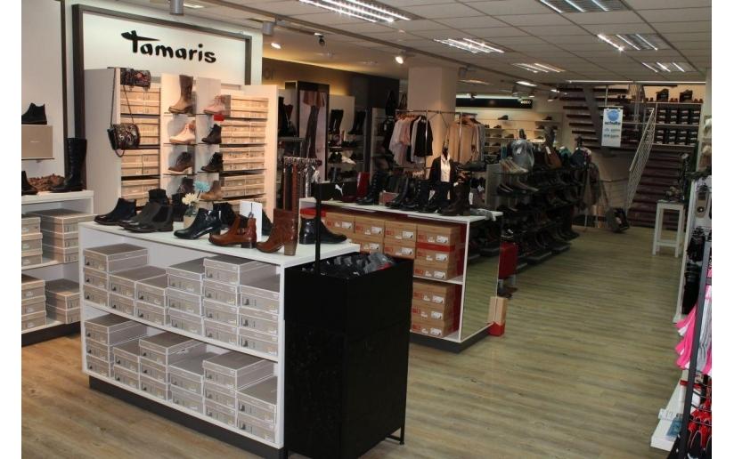 Bugatti Fashion Store Locator